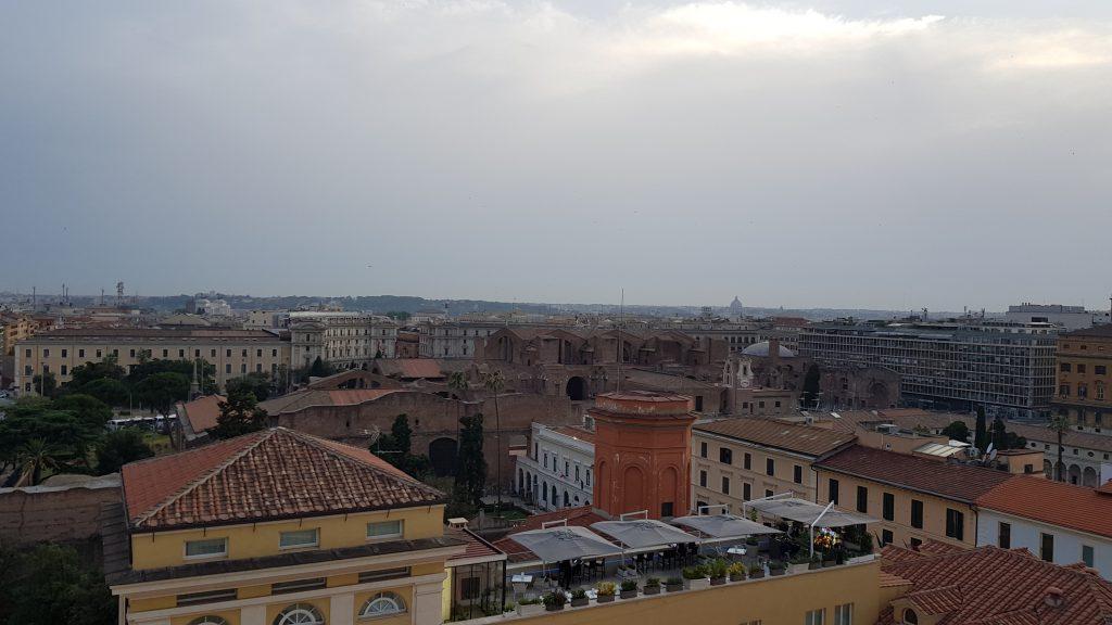 Aperitivo sotto i cieli di Roma